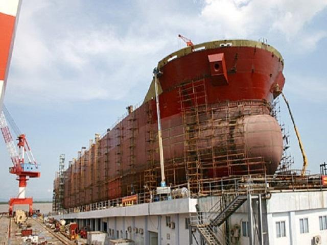 Người lao động thi đỗ kỳ thi được Bộ pháp vụ quy định với hai ngành nghề là xây dựng và đóng tàu, hàng hải